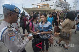 Tim Gabungan Denpasar sidak penduduk pendatang di Pelabuhan Benoa