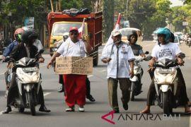 Aksi Jalan Kaki Nazar Pilkada
