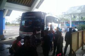 Pemudik di Terminal Mengwi masih ribuan