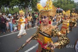 Presiden Jokowi puji pawai Pesta Kesenian Bali