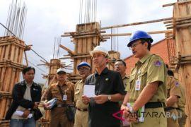 Bupati Klungkung sidak proyek pasar Rp1 miliar