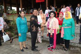 Wabup Bangli terima kunjungan Istri Panglima TNI