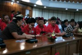 Koster gandeng 20 lulusan ITB bangun Bali