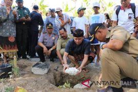 Bupati Klungkung letakkan batu pertama pembangunan padat karya