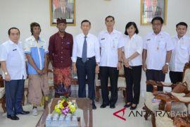 Gubernur Pastika terima pengaduan warga transmigran Sulawesi Tenggara