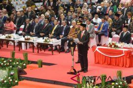 Presiden minta Polri tingkatkan kinerja, buang budaya koruptif