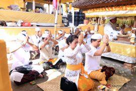 Bupati Klungkung hadiri ritual di Pura Gunung Mas