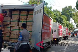 Jamaah Masjid Polda Bali bantu warga korban gempa Lombok
