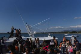 Evakuasi wisatawan Gili Trawangan