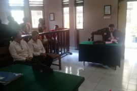 Jaksa tuntut pegawai Pemkot Denpasar 2,5 tahun