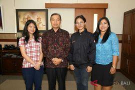 Dua mahasiswi ISI Denpasar raih beasiswa AIMS ke Malaysia