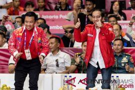 Nonton badminton, Jokowi kembali bergoyang