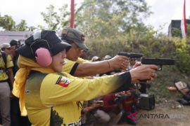Istri Kapolri buka kejuaraan menembak pistol