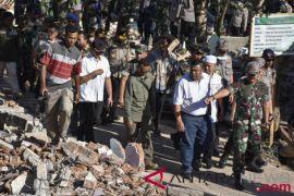 Panglima TNI kunjungi daerah gempa