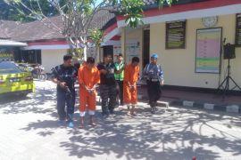 Polsek Denpasar Barat tembak dua perampok toko