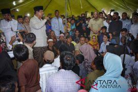 Bersama Titiek Soeharto, Prabowo kunjungi pengungsi Lombok