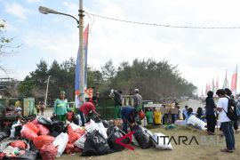Ribuan masyarakat Klungkung ikuti gerakan kebersihan