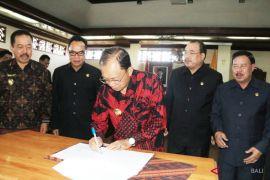 Gubernur teken KUA-PPAS Perubahan APBD 2018