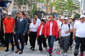 Presiden Jokowi jalan kaki susuri jalanan Kota Seoul