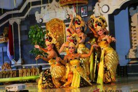 Mahasiswa ISI Denpasar ciptakan tari maskot desa