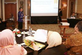 Bupati Klungkung tampil dalam forum
