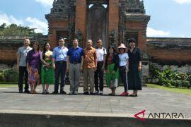 Polres Badung kawal delegasi IMF-WB ke Taman Ayun
