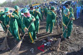 526 pekerja kebersihan meriahkan