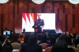 Ketika Presiden Jokowi tantang ibu-ibu pengetahuan harga sembako