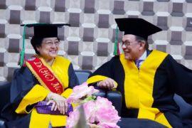 Megawati hadiri penganugerahan Gelar Honoris Causa UNP kepada Anwar Ibrahim