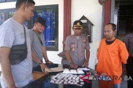 Polsek Gilimanuk tangkap pengedar ribuan pil koplo
