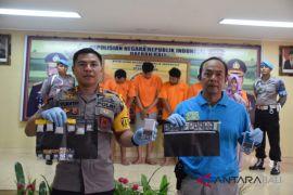 Polres Badung gulung enam pengedar sabu-sabu