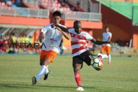 Madura United bawa 18 pemain ke Gianyar