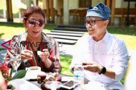 Menteri Susi  Terkesan Nikmatnya Durian Pelangi Banyuwangi