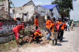 Ratusan rumah di Sidoarjo rusak akibat puting beliung