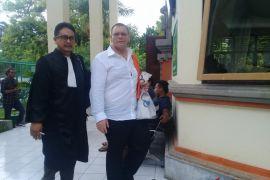Warga Bulgaria curi data nasabah di Bali disidangkan