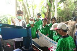Atasi masalah sampah, BI Bali dukung produksi pelet