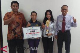 Mahasiswi Undhiksa Raih juara LKTI berkat