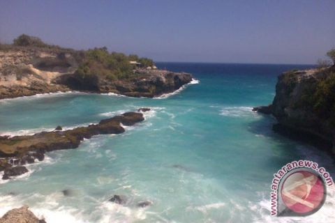 SMA Karang Turi berwisata ke Nusa Penida