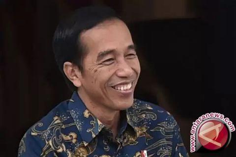 Jokowi persilakan KPK proses dua menterinya