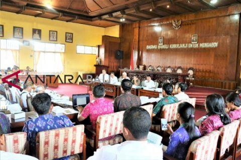 DPRD Bali bahas laporan pansus ranperda aksara bali