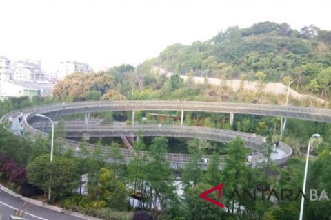 Fuzhou utilizes city forest as a recreation site