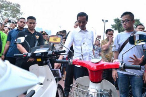 Presiden Jokowi kunjungi pameran otomotif di Kemayoran