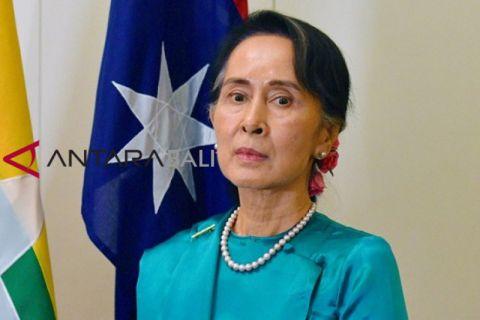 Amnesty International mencabut penghargaan HAM Aung San Suu Kyi