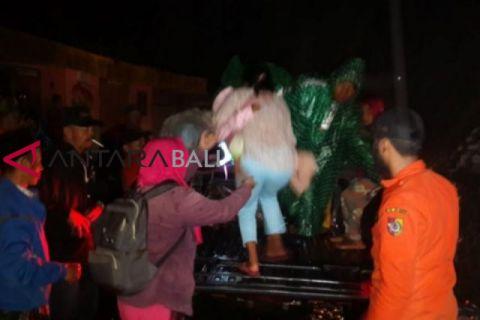 Tanah longsor picu evakuasi puluhan warga di Jember