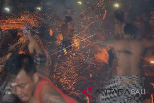 Nagi Village-Bali to organize tour  of fire war