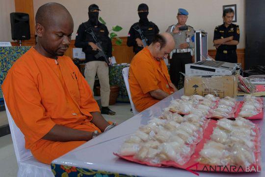 Dua WNA selundupkan narkoba