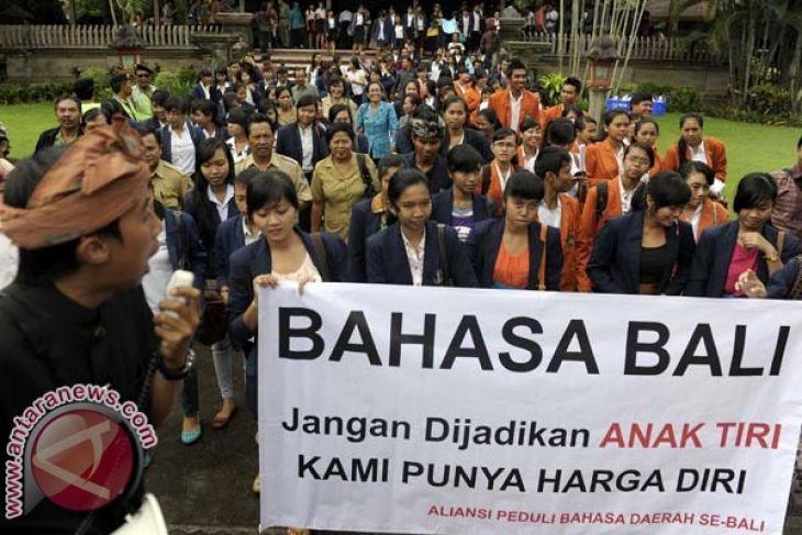 Bahasa Bali Tidak Boleh Hilang