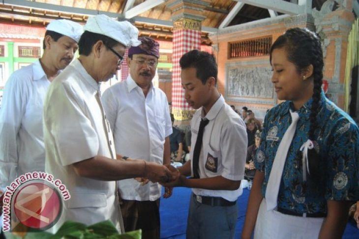 DPRD Madiun Pelajari Pendidikan Gratis di Badung