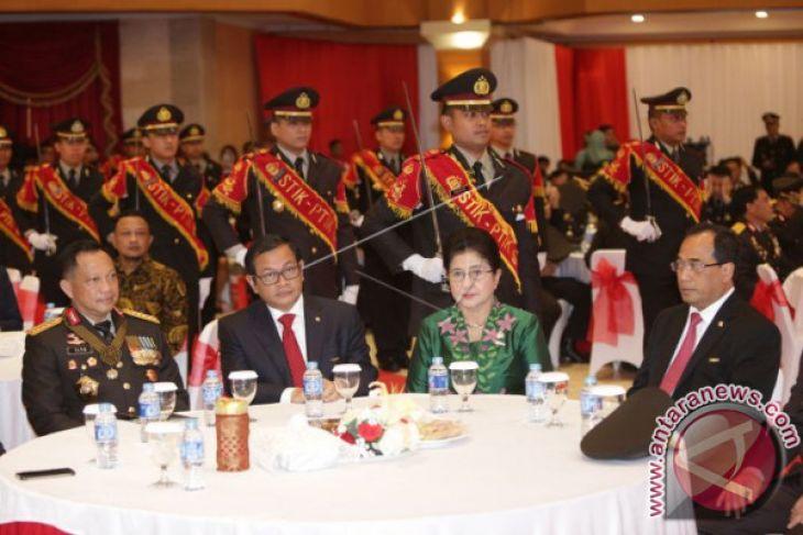 Tujuh Menteri Dapat Penghargaan Bintang Bhayangkara Utama