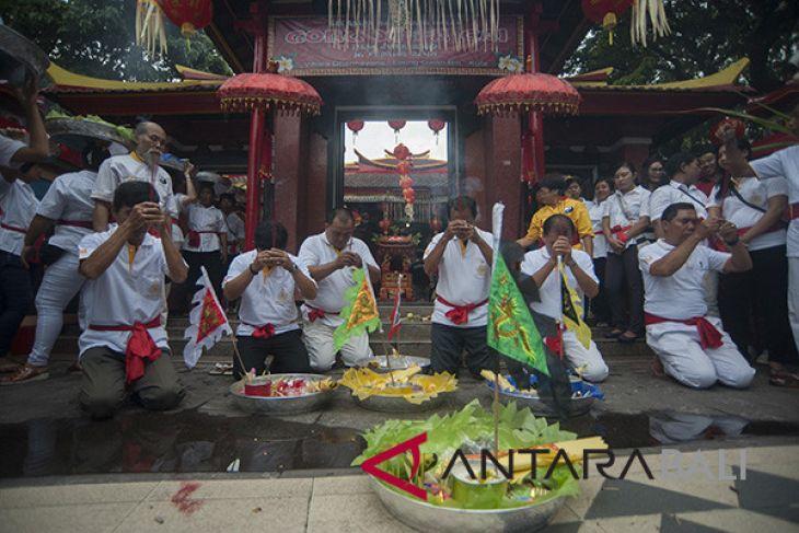 Warga Tionghoa Bali perkuat toleransi maknai Imlek